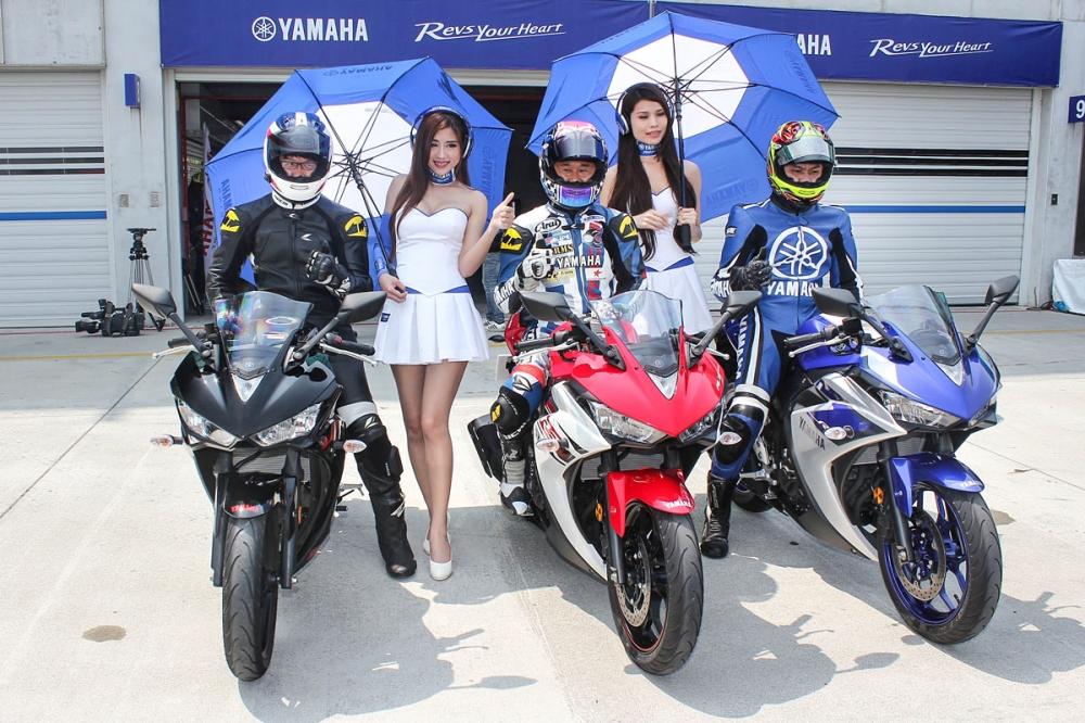 結束了發表活動,於下午的賽道體驗之前,原廠特別安排一位日本試車手與兩位臺灣車手一同暖場,提供媒體拍攝需求,也同時呈現此次引進的三種車色。
