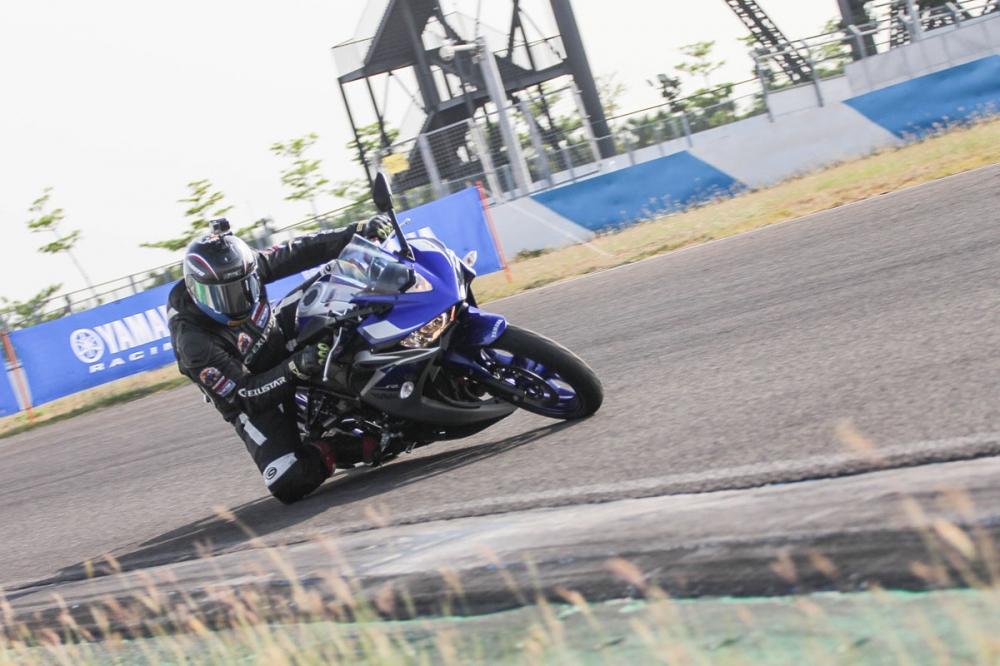 輕檔重砲!Yamaha YZF-R3大鵬灣展身手