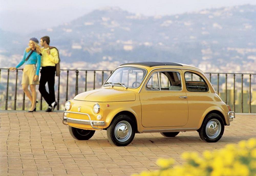 ▲上為1957年 Fiat 500初代