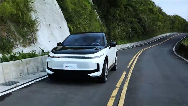 鴻海科技日今登場!三款電動車亮相