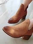 ZARA側V粗跟中靴