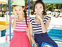 條紋連身裙式泳衣