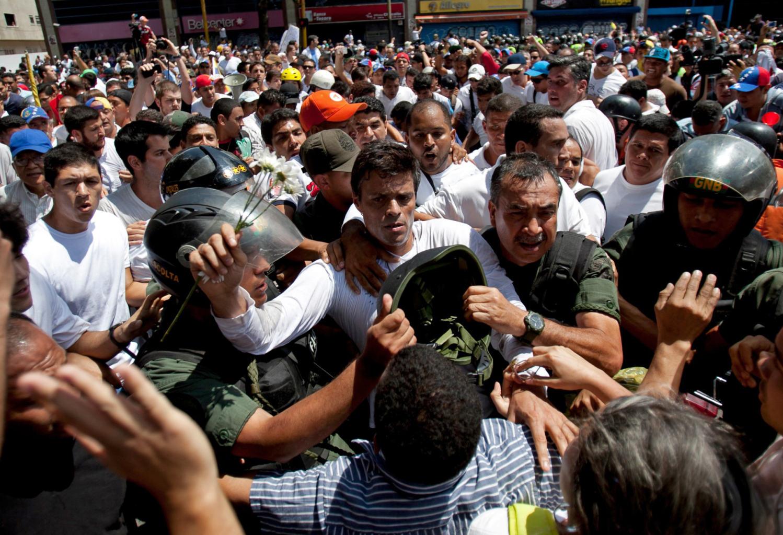 """""""Revolucion"""" au Venezuela ? - Page 3 Ba27ac8f-6f0e-35cb-bf27-39bbce779e7d"""