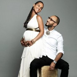 Alicia Keys Pregnant With Second Child, Announces News With Sweet Instagram Pic
