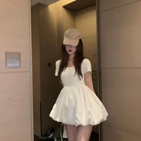 蓬蓬裙子夏季收腰顯瘦白色連身裙女2021新款法式方領復古氣質短裙 【端午節特惠】