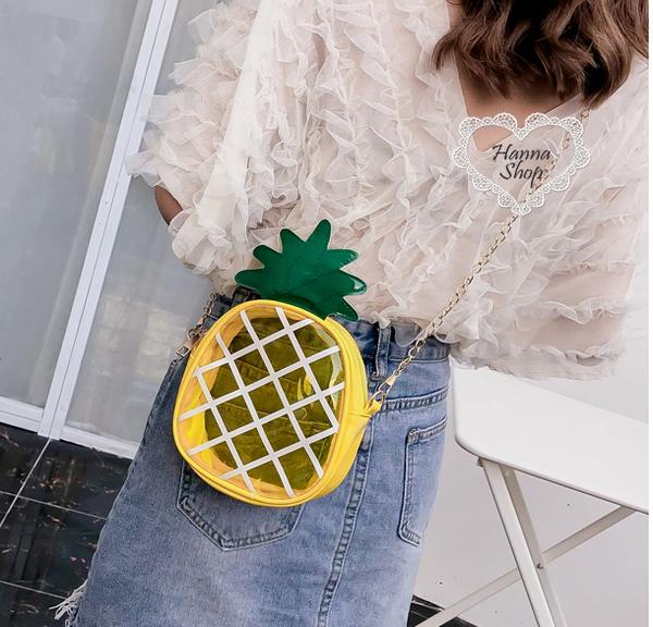 《花花創意会社》萌妹必備。鳳梨透明果凍鏈帶背包【H5992】