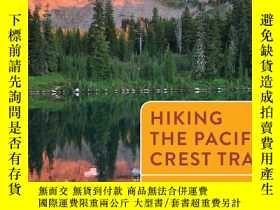 二手書博民逛書店Hiking罕見the Pacific Crest Trail:
