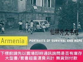 二手書博民逛書店【罕見】Armenia: Portraits of Survival and HopeY27248 Donal