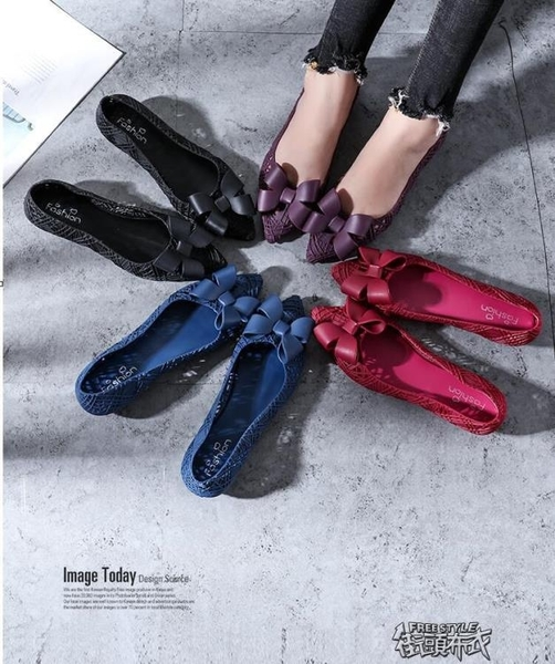 果凍鞋 尖頭蝴蝶結鏤空雨鞋女士時尚平底膠鞋涼鞋防水果凍鞋 街頭布衣