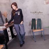 長褲--精心立體設計裝飾釦鬆緊褲頭內抽繩素面休閒長褲(黑.灰2L-5L)-P96眼圈熊中大尺碼