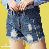 【SHOWCASE】率性側織帶網拼接刷破襬俏麗牛仔短褲(藍)