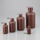 《NIKKO》細口瓶 茶色刻度 PE Bottle, Narrow-Neck, Amber, PE
