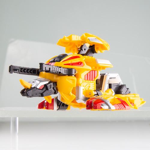 carbot 衝鋒戰士 恐龍奇兵 電擊三角龍_CK32368