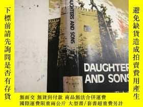 二手書博民逛書店Daughters罕見and sons (英雄兒女:新兒女英雄)精裝1979年英文版Y354192 YUAN