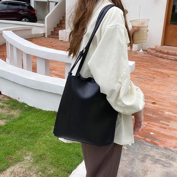 側背包 水桶包2021韓版ins新款復古托特包包女斜挎包簡約單肩大容量女包【快速出貨八折搶購】