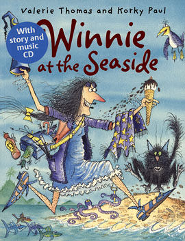 【麥克書店】WINNIE AT THE SEASIDE/英文繪本附CD《主題:萬聖節.幽默》(中譯:巫婆與黑貓)