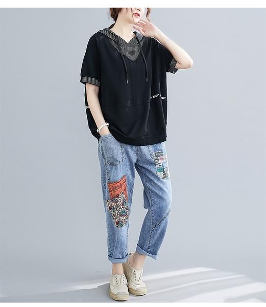 【YOUNGBABY中大碼】style條紋拼接V領連帽上衣.黑