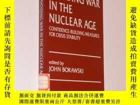 二手書博民逛書店Avoiding罕見war in the nuclear age