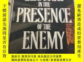 二手書博民逛書店In罕見the Presence of the Enemy【英文