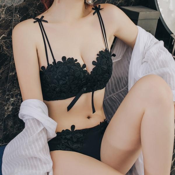 無鋼圈 平口內衣 成套內衣褲 性感刺繡 舒適 集中【沁甜美姬】微醺花朵(黑)