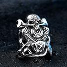 《 QBOX 》FASHION 飾品【RBR8-410】精緻個性龐克風骷顱頭機車板手鑄造鈦鋼戒指/戒環