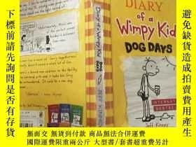 二手書博民逛書店Diary罕見of a Wimpy Kid Dog Days:懦弱的孩 子三伏天日記。Y200392