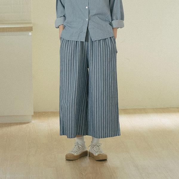 Queen Shop【04110370】鬆緊設計條紋寬褲*現貨+預購*