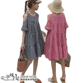 裸肩荷葉袖格紋孕婦洋裝 兩色【CSH881601】孕味十足 孕婦裝