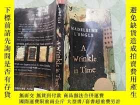 二手書博民逛書店【英文原版】A罕見Wrinkle in TimeY181909