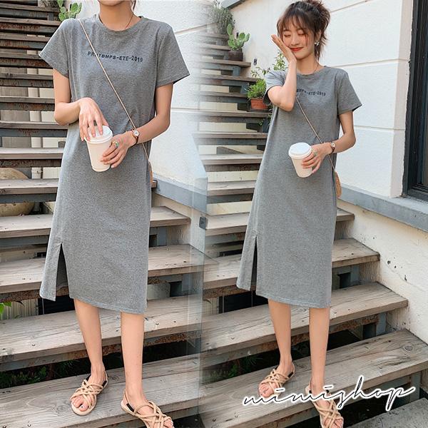孕婦裝 MIMI別走【P521026】莫名顯瘦款 休閒字母彈力開叉連身裙 孕婦裙