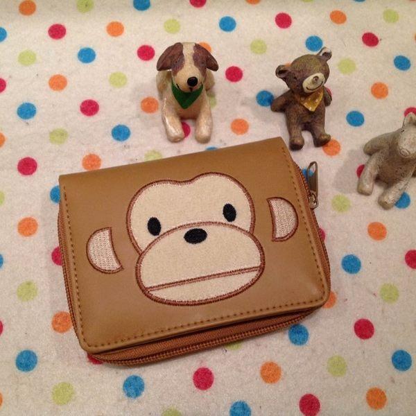 【發現。好貨】大嘴猴 喬治猴 猴子橫式刺繡立體造型短夾 卡通皮夾大嘴猴喬治猴造錢包 證件包