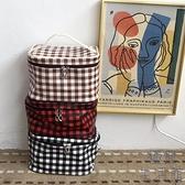 旅行便攜收納洗漱包大容量化妝工具化妝包袋女格紋【極簡生活】