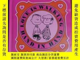 二手書博民逛書店LOVE罕見IS WALKING HAND IN HAND 兒童讀物 英文版Y42402