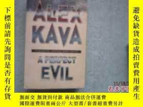 二手書博民逛書店英文原版書罕見ALEX KAVA A PERFECT EVIL