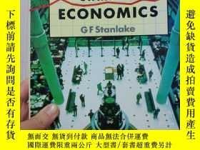 二手書博民逛書店英國高中經濟學入門書Starting罕見Economics gf