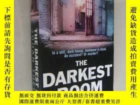 二手書博民逛書店The罕見darkest room,正文後附6頁黑白圖片Y146
