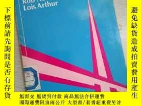 二手書博民逛書店LARGF罕見CLASSES by Rob Nolasco and Lois Arthur (英文)Y1614