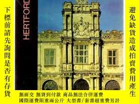 二手書博民逛書店The罕見Buildings of England : Hert