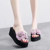 夏季新款手工花一字拖女拖鞋中跟防滑休閒沙灘鞋涼拖坡跟韓版外穿