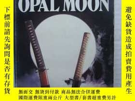 二手書博民逛書店Beneath罕見an Opal MoonY146810 Eri