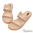 拖鞋 V型金釦寬版平底拖鞋-米