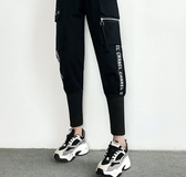 EASON SHOP(GW5176)實拍個性字母緞帶大口袋鬆緊腰抽繩綁帶束腳工裝褲女高腰長褲直筒九分褲休閒褲