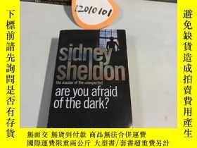 二手書博民逛書店Are罕見you Afraid of the Dark 英文原版