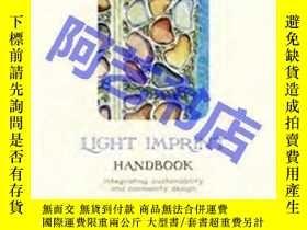 二手書博民逛書店Light罕見Imprint Handbook: Integrating Sustainability And C
