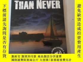 二手書博民逛書店Better罕見Late Than Never (Cambridge English Readers: Level