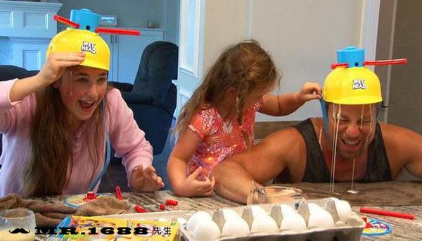 WET HEAD GAME濕水挑戰帽 創意漏水帽桌遊 新年家人朋友互動玩具輪盤整蠱遊戲帽【Mr.1688先生】