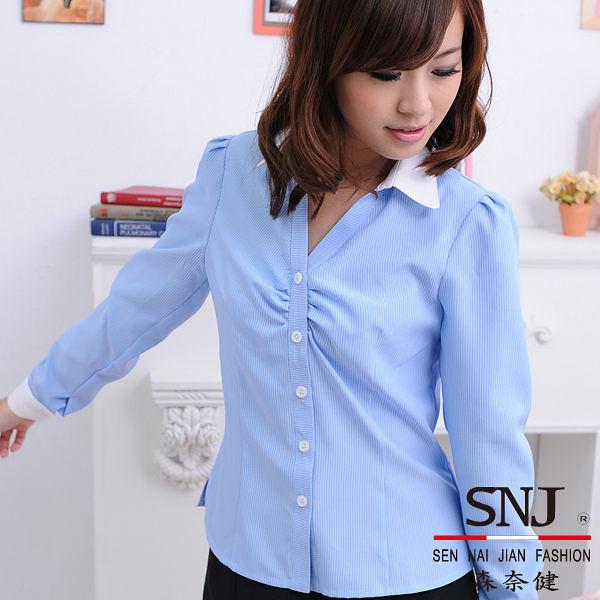 【大尺碼-S-44EY-3】森奈健-優雅成熟OL吸濕排汗胸口細摺長袖女襯衫(水藍色條紋)