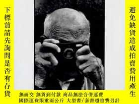 二手書博民逛書店Faceless:罕見The Most Famous Photo