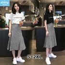 【V2504】shiny藍格子-清新甜味.字母印花短袖上衣高腰傘狀裙兩件式套裝