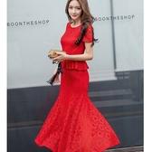 [98607-QF]經典圓領腰部荷葉邊修飾魚尾裙襬嫵媚蕾絲長裙洋裝~美之札